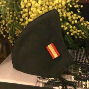 https://www.molua.es/wp-content/uploads/2021/02/masc-negra-bandera-bordada-300x300.jpg